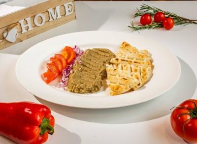 Salată de vinete cu pâine prăjită
