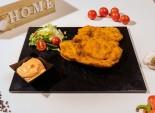 Șnițel de porc pane serit cu sos de ardei